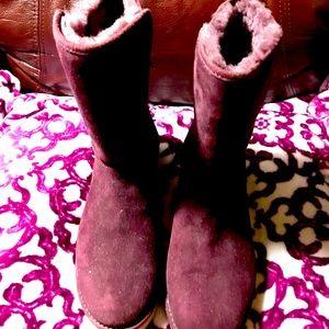 NWOT Ugg maroon boots